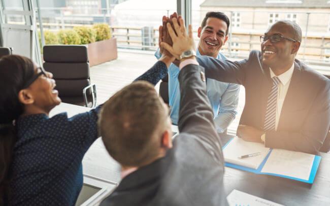 Xây dựng nhóm làm việc hiệu quả: Tạo môi trường vui vẻ, hạnh phúc